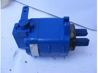 Prevent air from entering the gear pump hydraulic system